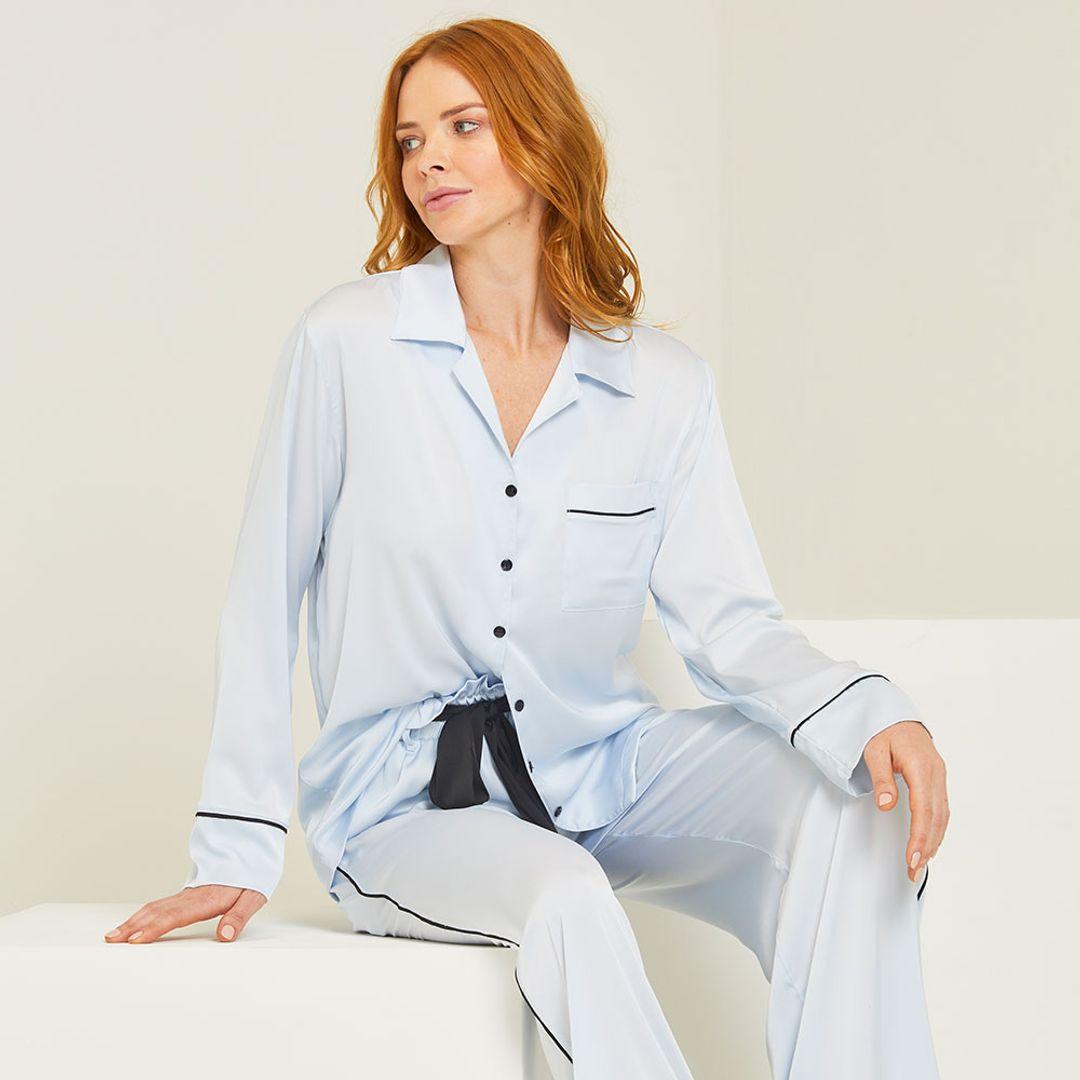 Pijama-Longo-Cetim-Everest
